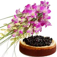 Eye-Catching Purple dendrobium orchids bouquet with Rare cheese cake (Blueberry)