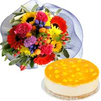 Lip-Smacking Bake Cheese Cake (Mango), with Flowers Bouquet