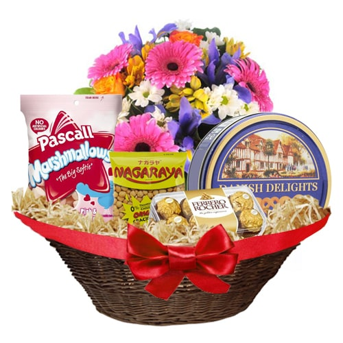 Appetizing Chocolate Hamper
