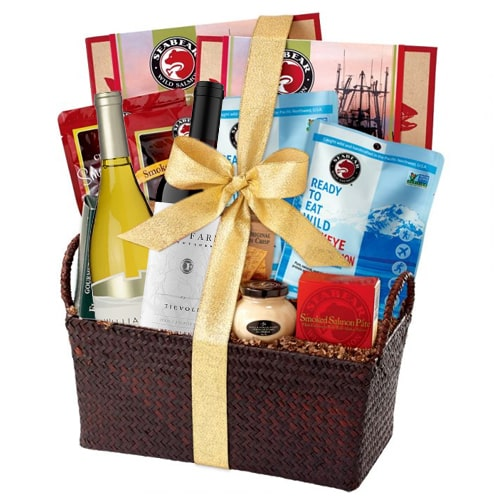 Extraordinary Gourmet Hamper with Wine for Celebration