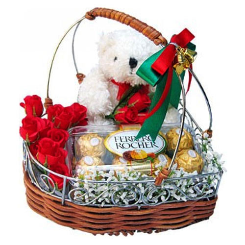 Incomparable Love Treat Gift Basket