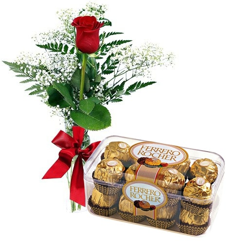 Breathtaking Love Treat Red Rose with 16 pcs Ferrero Rocher Chocolates